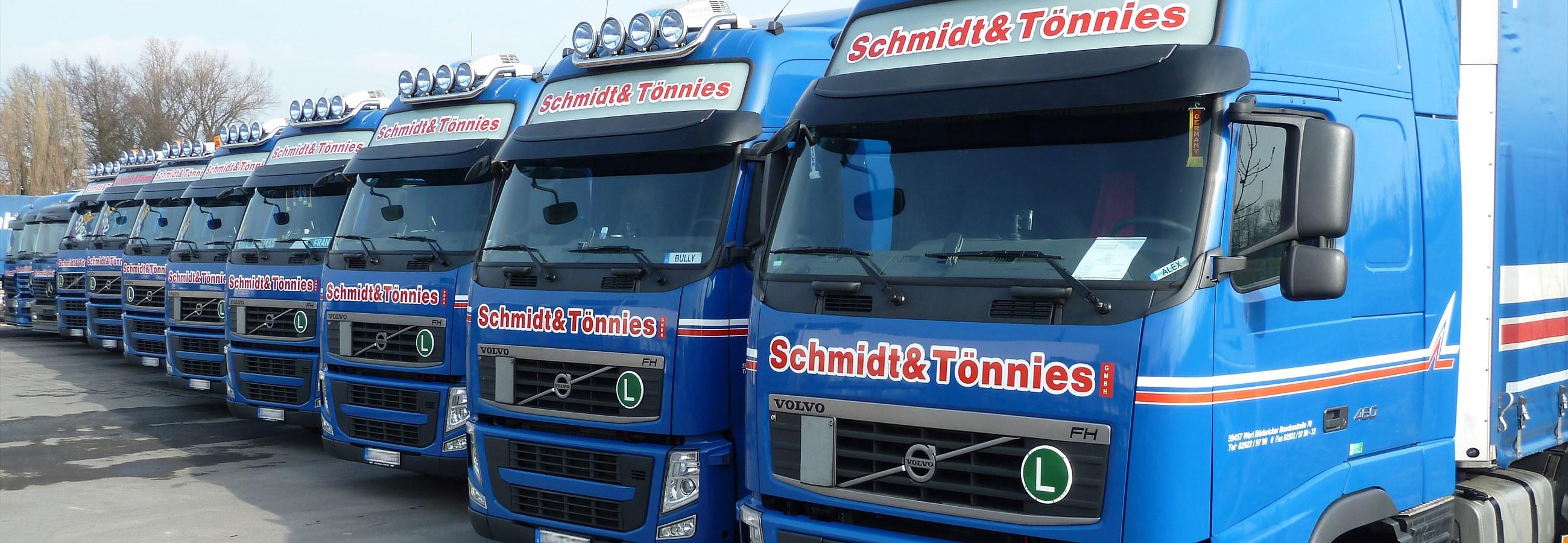 Die LKW-Flotte der Schmidt & Tönnies GmbH